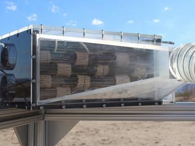 Colhedeira de água tira água do ar até no deserto